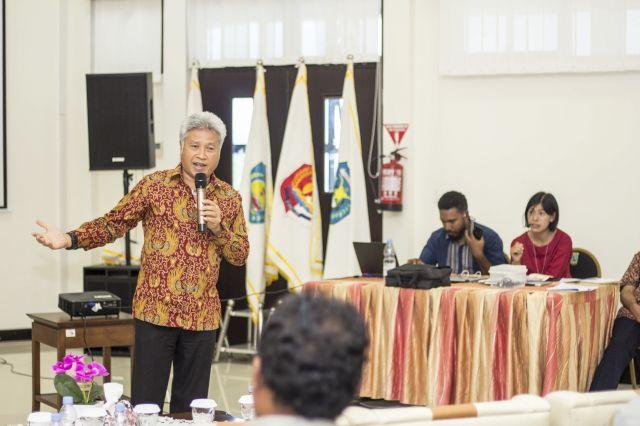 Pemaparan Materi oleh Ketut Sarjana Putra, Vice President CI Indonesia pada ELCS 2019