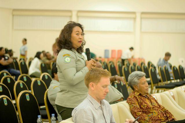 forum bertanya dalam diskusi ELCS oleh salah seorang ibu dari POLBANGTAN Papua Barat