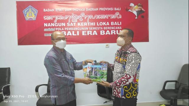 Kunjungan Kepala Balitbangda Prov Papua Barat di Badan Riset dan Inovasi Daerah Provinsi Bali