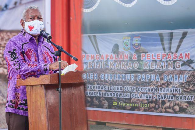 Gubernur Papua Barat Melepaskan Lagi 10 Ton Biji Kakao Kering Asal Ransiki