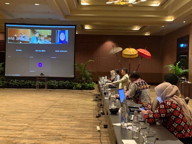 """""""Pembangunan web platform sebagai sarana komunikasi efektif antara Pemerintah Provinsi Papua Barat dan Mitra Pembangunan"""""""
